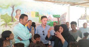 نائب مدير منظمة رعاية الأطفال باليمن يزور المساحات الصديقة في الحديدة