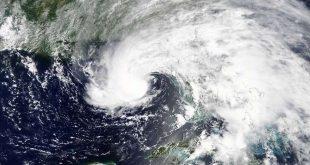 علام يدل تباطؤ العواصف المدارية؟