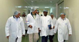 صنعاء : الدرة يتفقد الشركة اليمنية لصناعة الأدوية