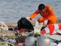 فرق البحث تنتشل الصندوق الأسود للطائرة المنكوبة الإندونيسية