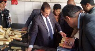 وزير الصناعة: إغلاق 50 فرن ومخبز مخالف والحملة ستستمر لضبط جميع المتلاعبين بالأوزان