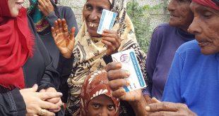 """الحديدة : فريق """" أشواق محرم """" يدشن توزيع 3 الآف سلة غذائية للنازحين"""