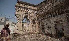 شاهد # فيديو إنفو_جرافيك .. الحديدة : مدينة زبيد التاريخية مهددة بالشطب بسبب إستمرار #الحرب ..