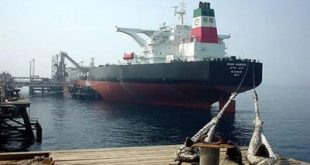الحديدة :شركة النفط ..وصول أول سفينة تحمل بنزين إلى الميناء
