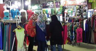 الحديدة: ارتفاع أسعار الملابس يفسد فرحة الاسر الفقيرة  بالعيد