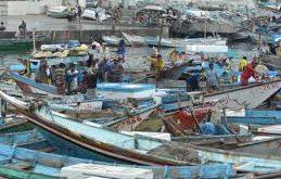 غرق 2 صيادين جراء إنقلاب قاربهم بميناء الاصطياد السمكي في الحديدة