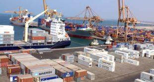 مكتب الحركة بميناء الحديدة يتلقى إتصالات بخصوص الناقلات المحملة بالوقود