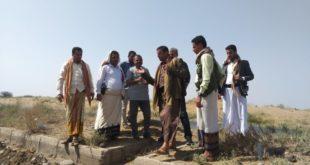 إعادة تأهيل وترميم الطريق العام أمام مصنع شملان بمديرية المراوعة