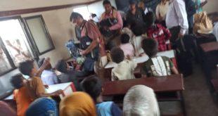 المؤسسة العامة للإتصالات توزع 300 حقيبة مدرسية لطلاب مدارس الدريهمي